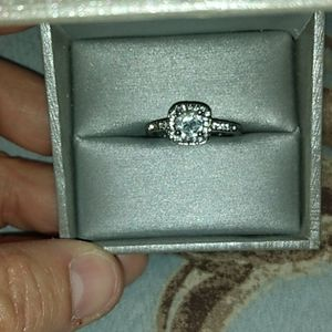 Cubic zirconia engagement Ring size 9